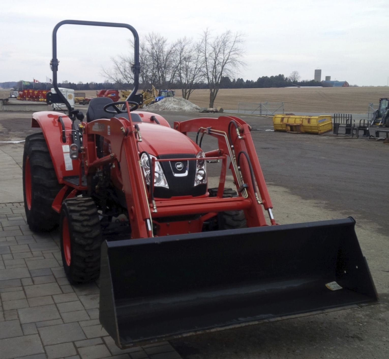Compact Tractor Loader 60 HP Image