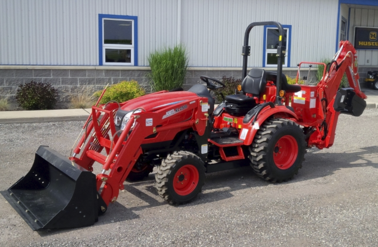 Compact Tractor Loader and Backhoe 25 HP Image