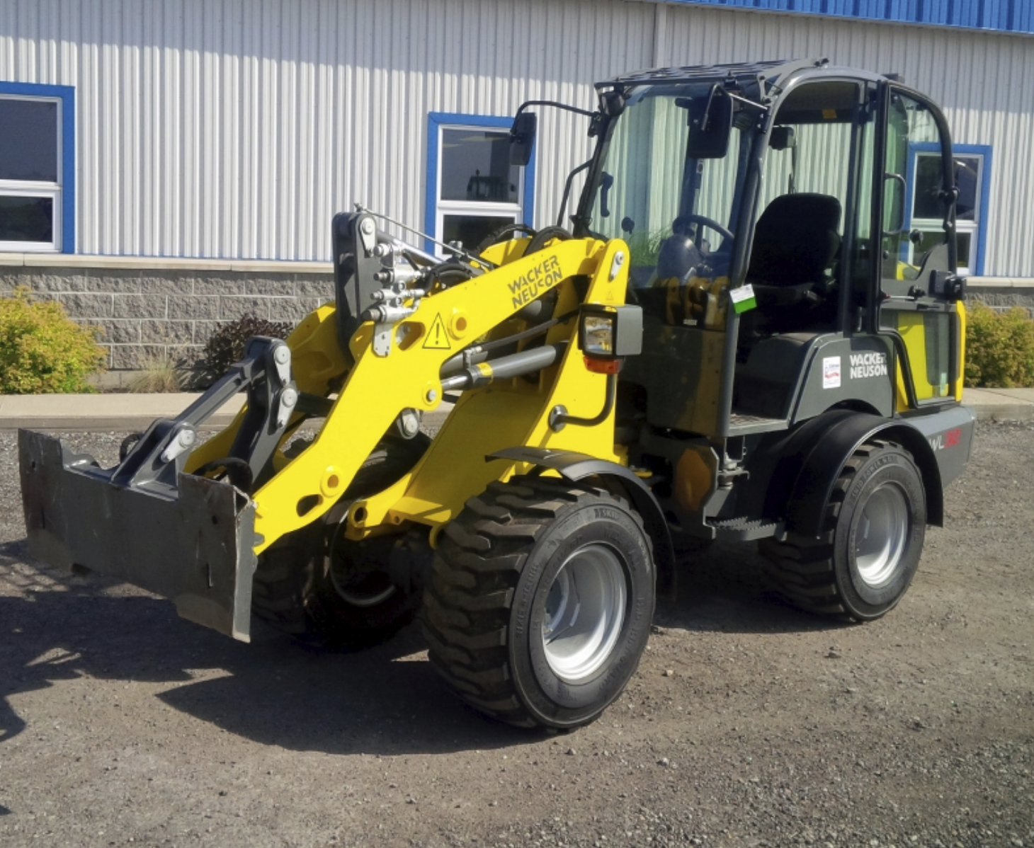 Wheel Loader 49 inch, Articulating Image