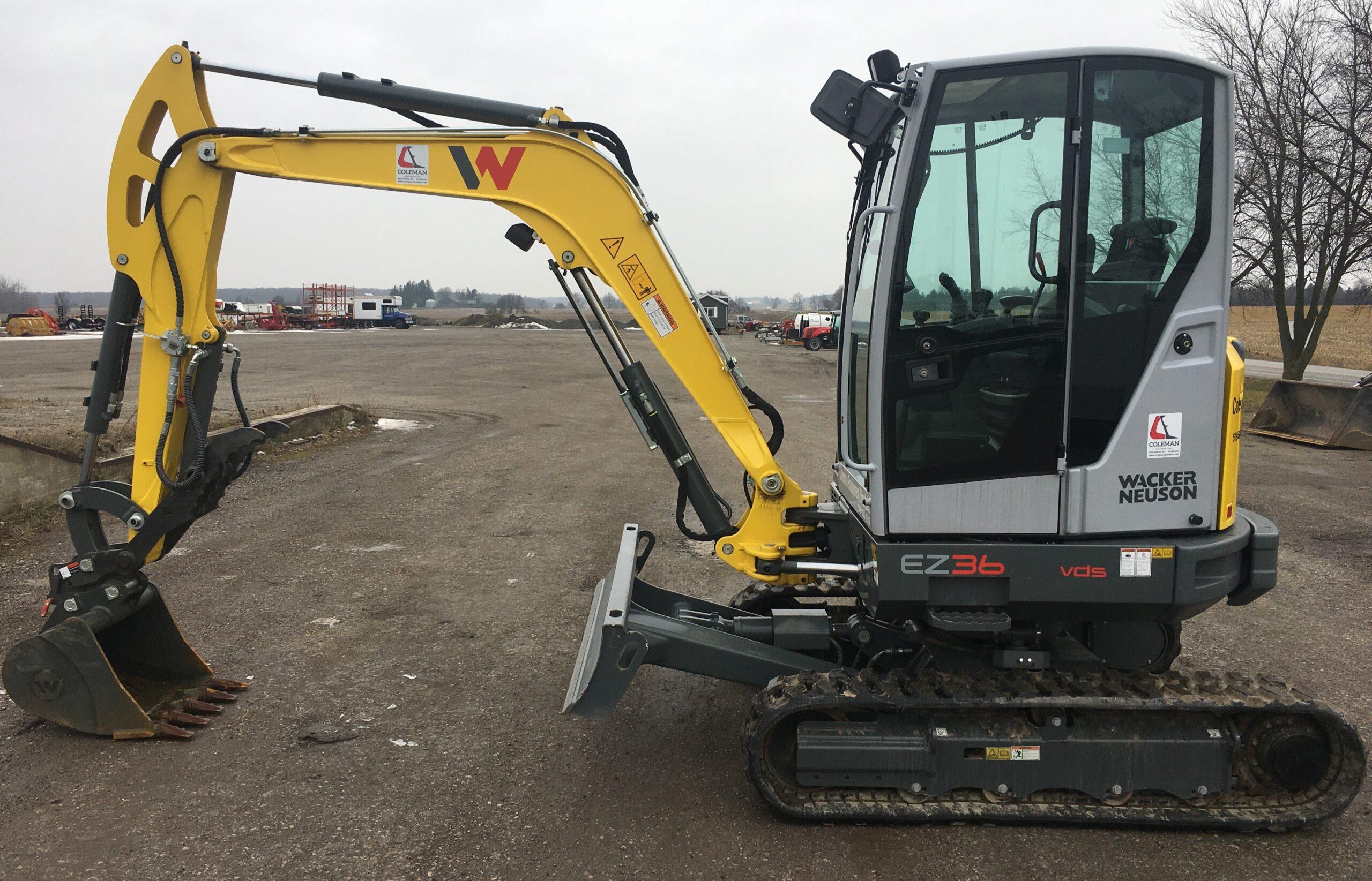 Mini Excavator 3.6 Tonne Image
